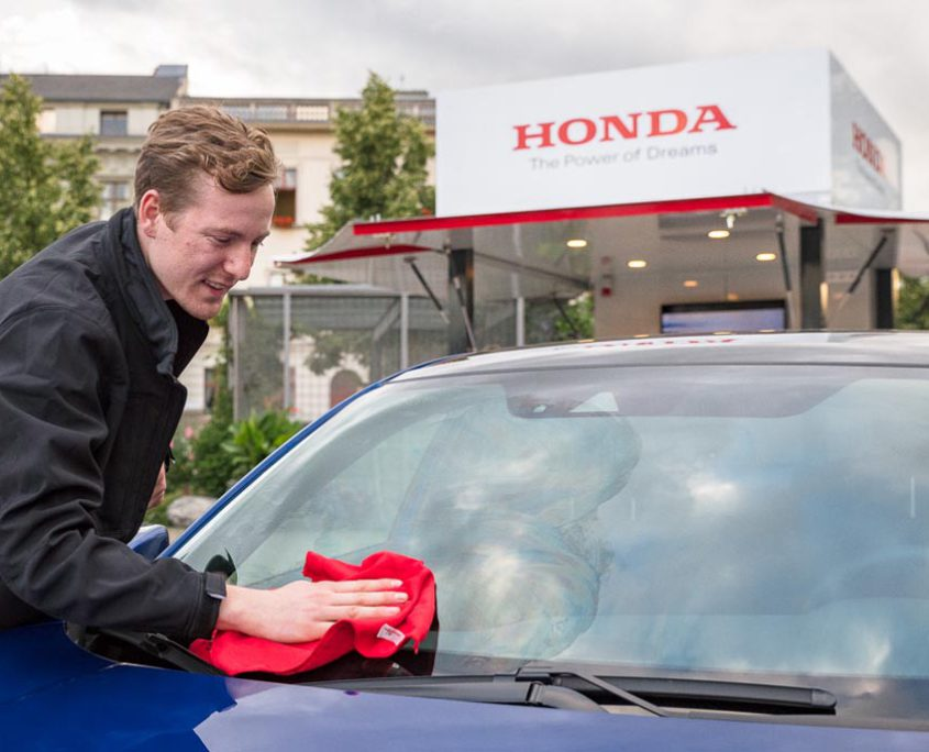 Drivers Fahrzeugpflege car cleaning